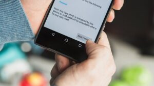 Do a factory reset on Android phone